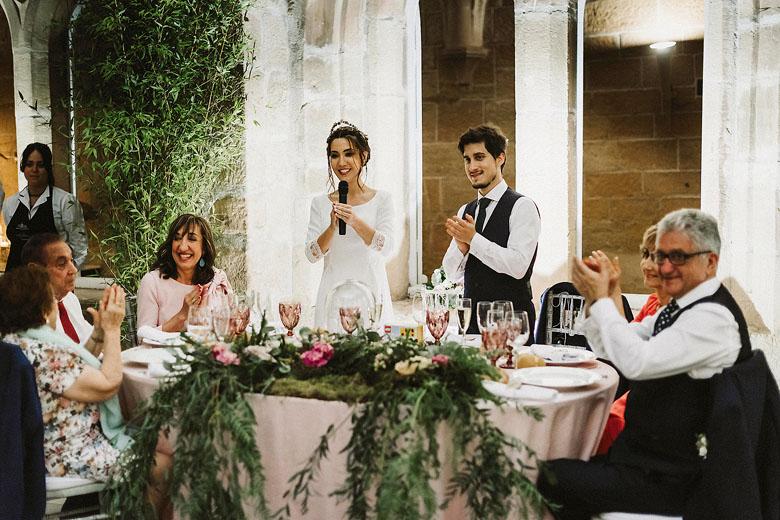 novios cena bodas