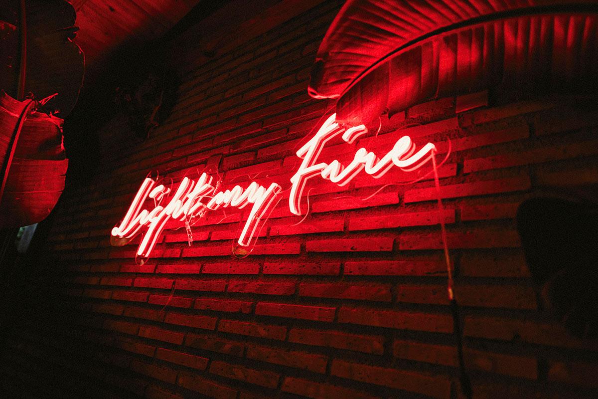 neon bodas bizkaia