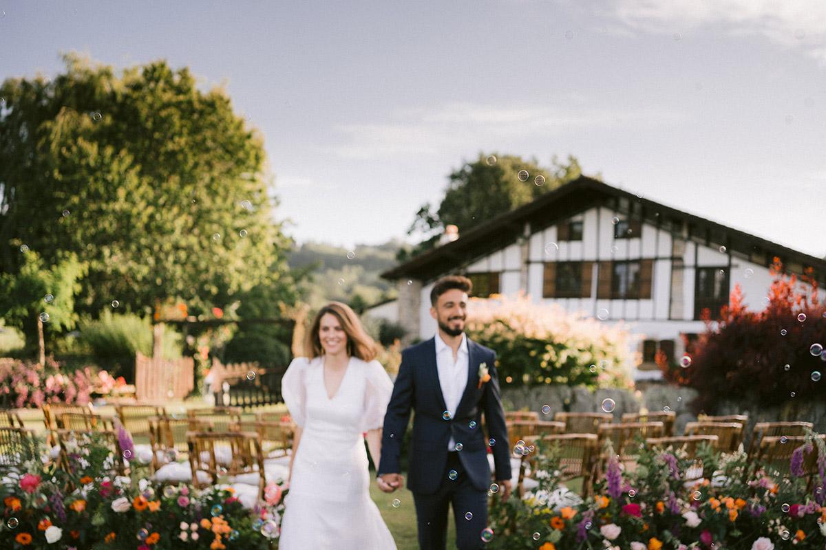 Just Married in Machoenia